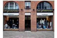Boutique Les Gémeaux Toulouse vend des vêtements Homme, des costumes, des chaussures et des accessoires de mode en centre-ville.(® site Les Gémeaux)